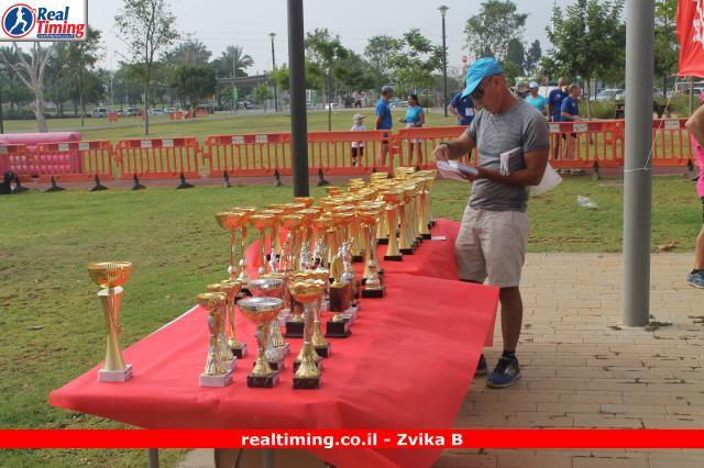 דוד זוארץ - חלוקת גביעים ליגה הפועל רצים בעבודה